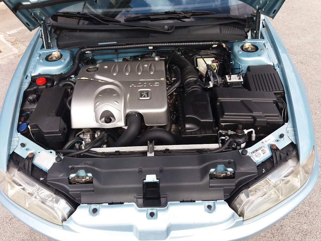Peugeot 406 Coupé 2.2 16v HDi FAP (42)