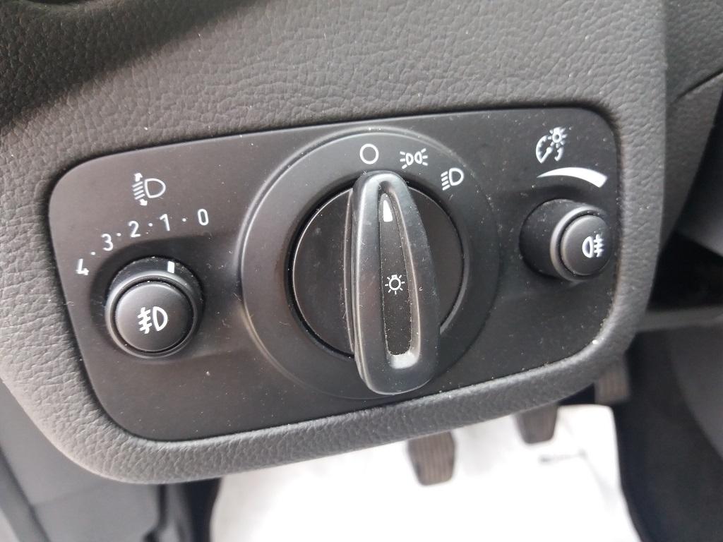Ford C-Max 1.5 TDCi 120 cv Start&Stop Titanium (20)