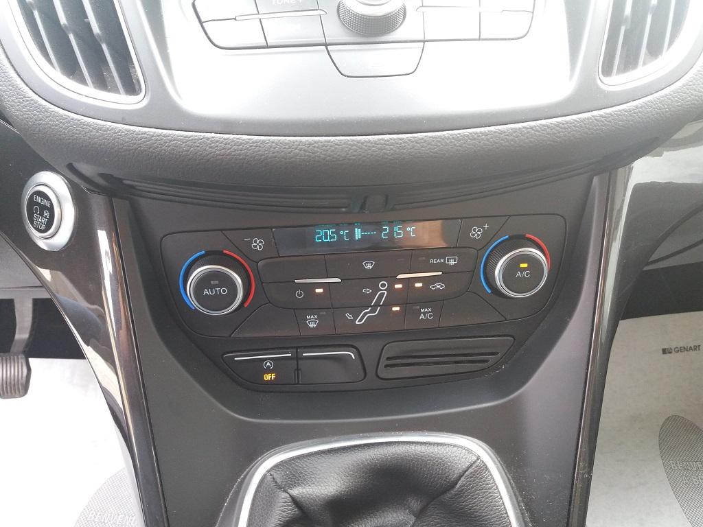 Ford C-Max 1.5 TDCi 120 cv Start&Stop Titanium (23)
