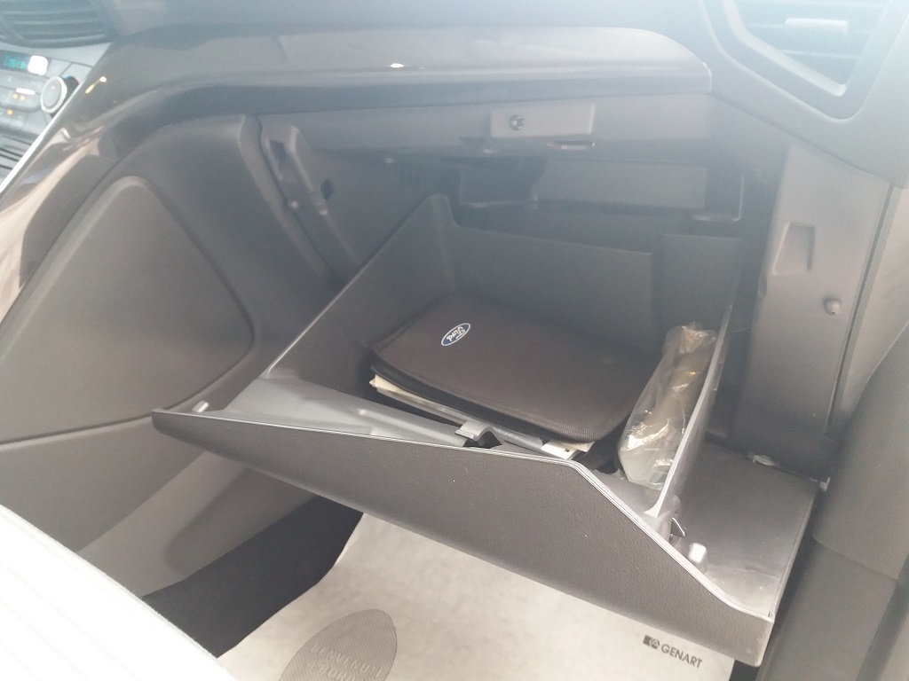 Ford C-Max 1.5 TDCi 120 cv Start&Stop Titanium (40)
