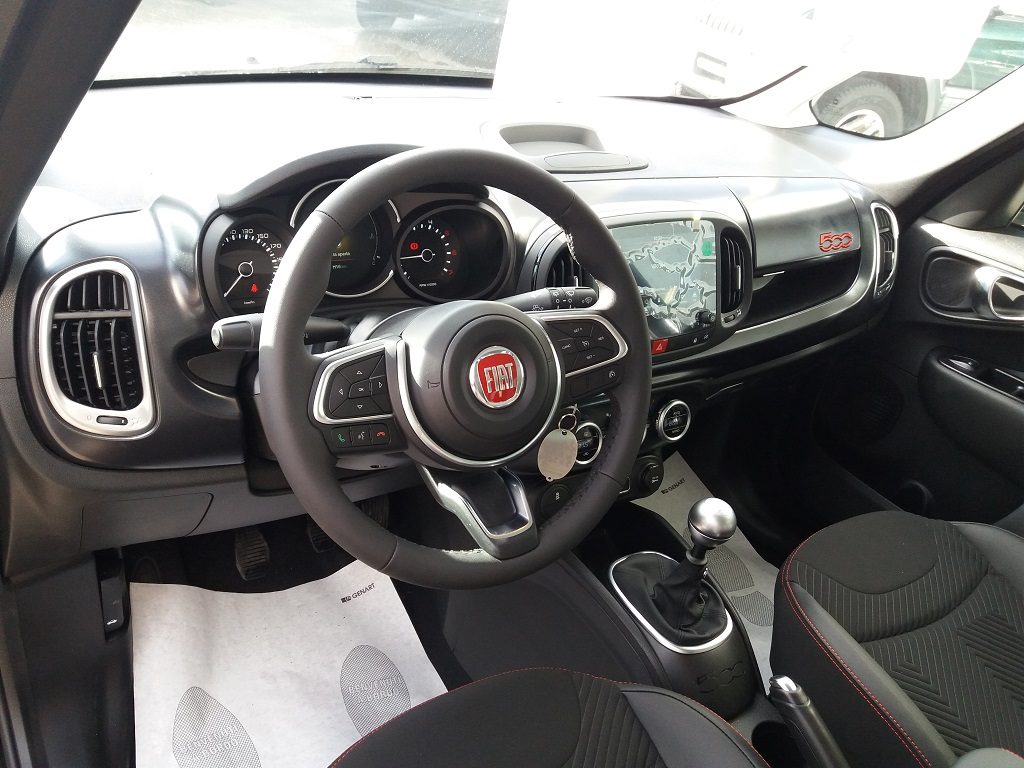Fiat 500L Cross 1.3 Multijet 95 cv Sport (8)