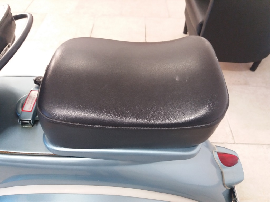 Piaggio Vespa 150 (VBA1T) (34)