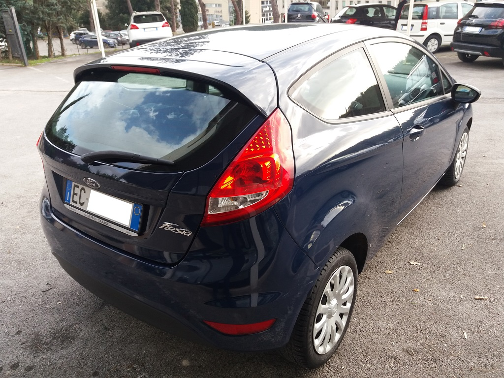 Ford Fiesta Plus 1.4 3p GPL (5)