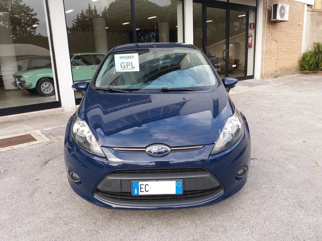 Ford Fiesta Plus 1.4 3p GPL (8)