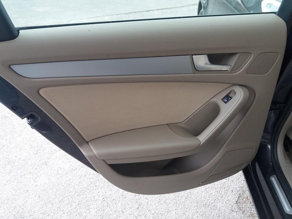 Audi A4 Avant 2.0 TDI 143 cv FAP Multitronic (24)