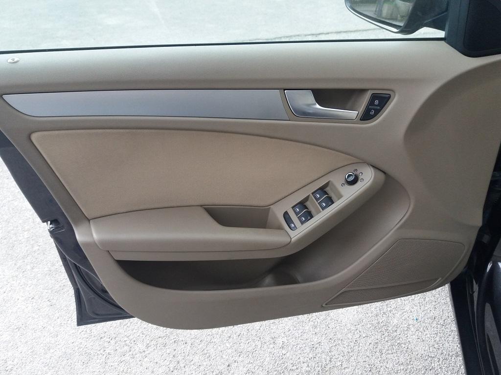 Audi A4 Avant 2.0 TDI 143 cv FAP Multitronic (25)