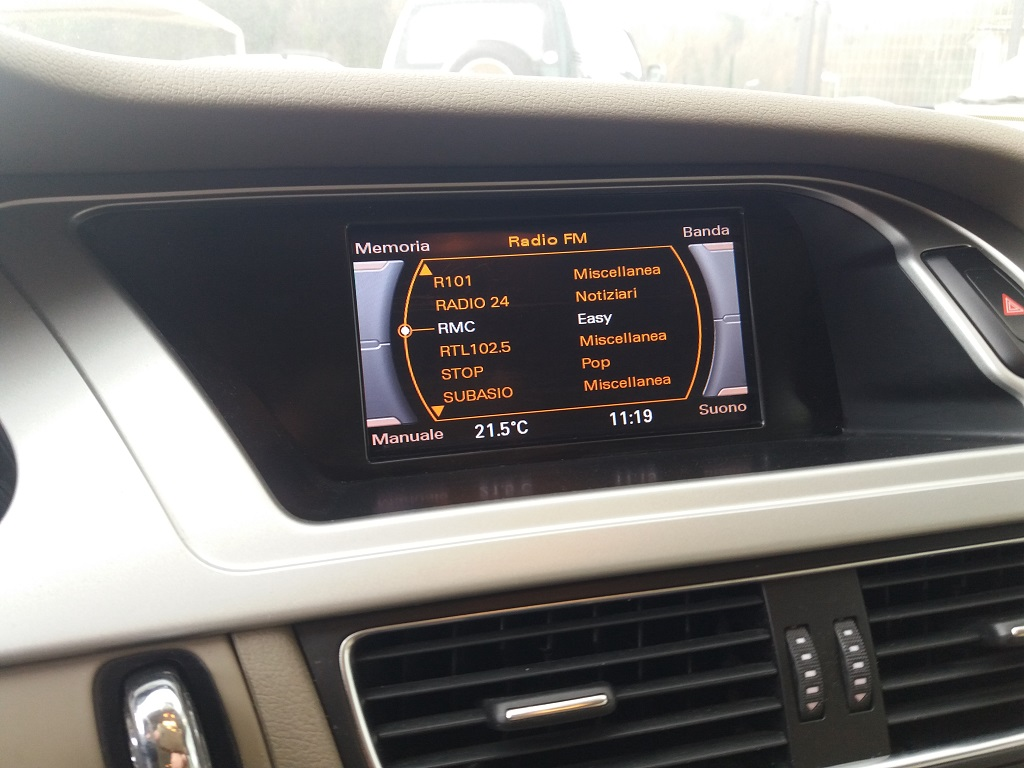 Audi A4 Avant 2.0 TDI 143 cv FAP Multitronic (32)