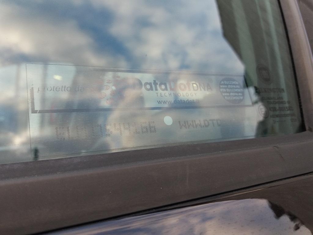 Fiat Punto 1.3 MJT II 75 cv 5p Easy (21)
