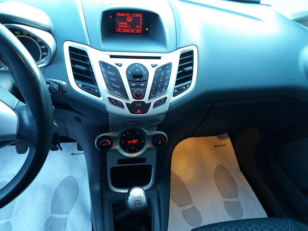 Ford Fiesta Titanium 1.4 5p GPL (10)