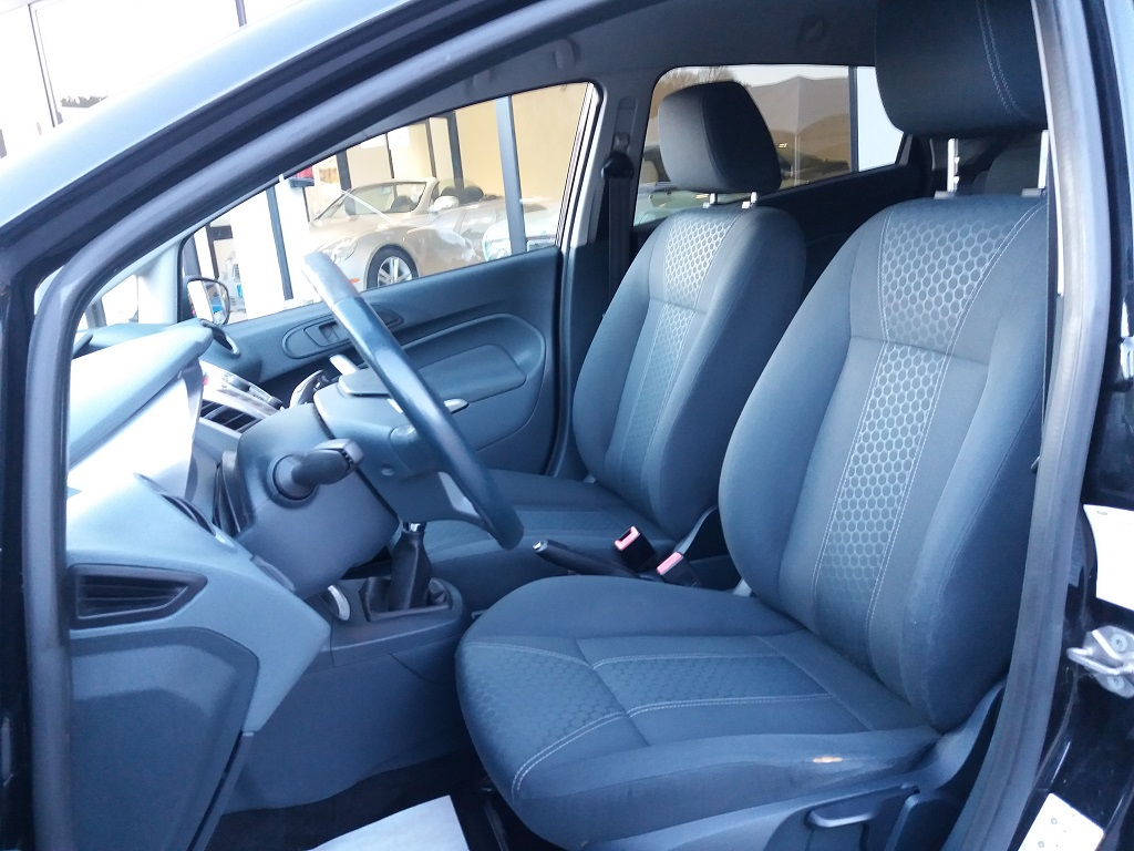 Ford Fiesta Titanium 1.4 5p GPL (11)