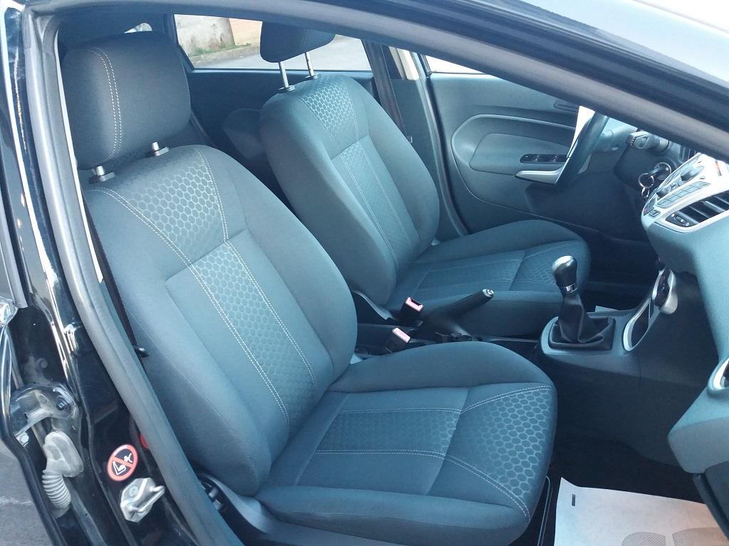 Ford Fiesta Titanium 1.4 5p GPL (12)