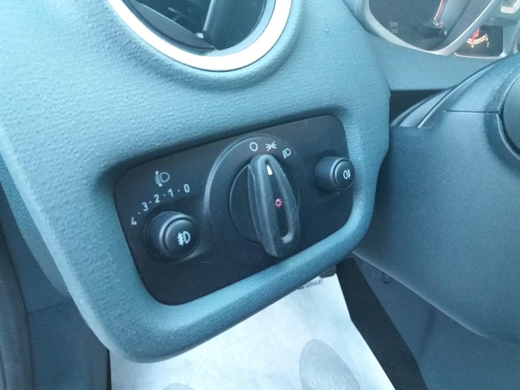 Ford Fiesta Titanium 1.4 5p GPL (21)
