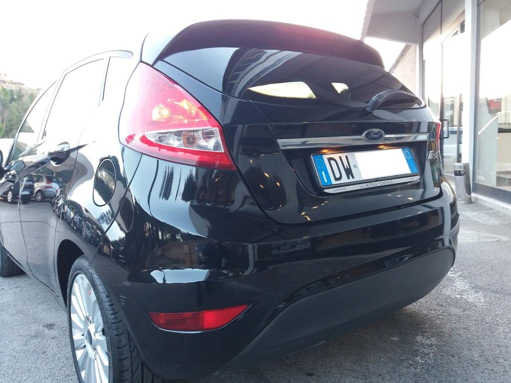 Ford Fiesta Titanium 1.4 5p GPL (35)