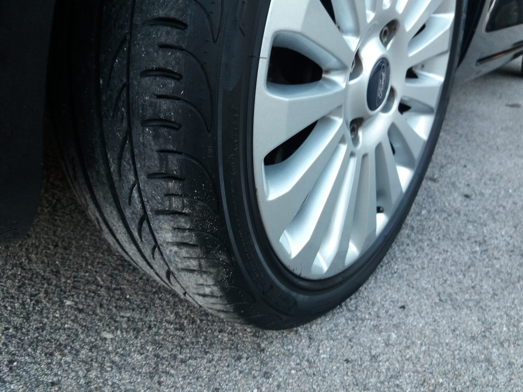 Ford Fiesta Titanium 1.4 5p GPL (37)