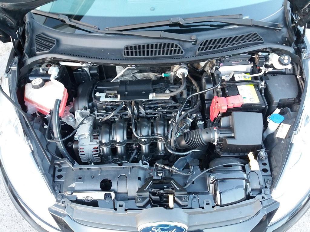 Ford Fiesta Titanium 1.4 5p GPL (43)
