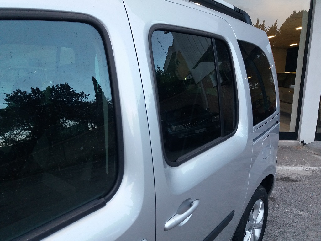 Renault Kangoo 1,5 dCi 90 cv S&S Limited (27)