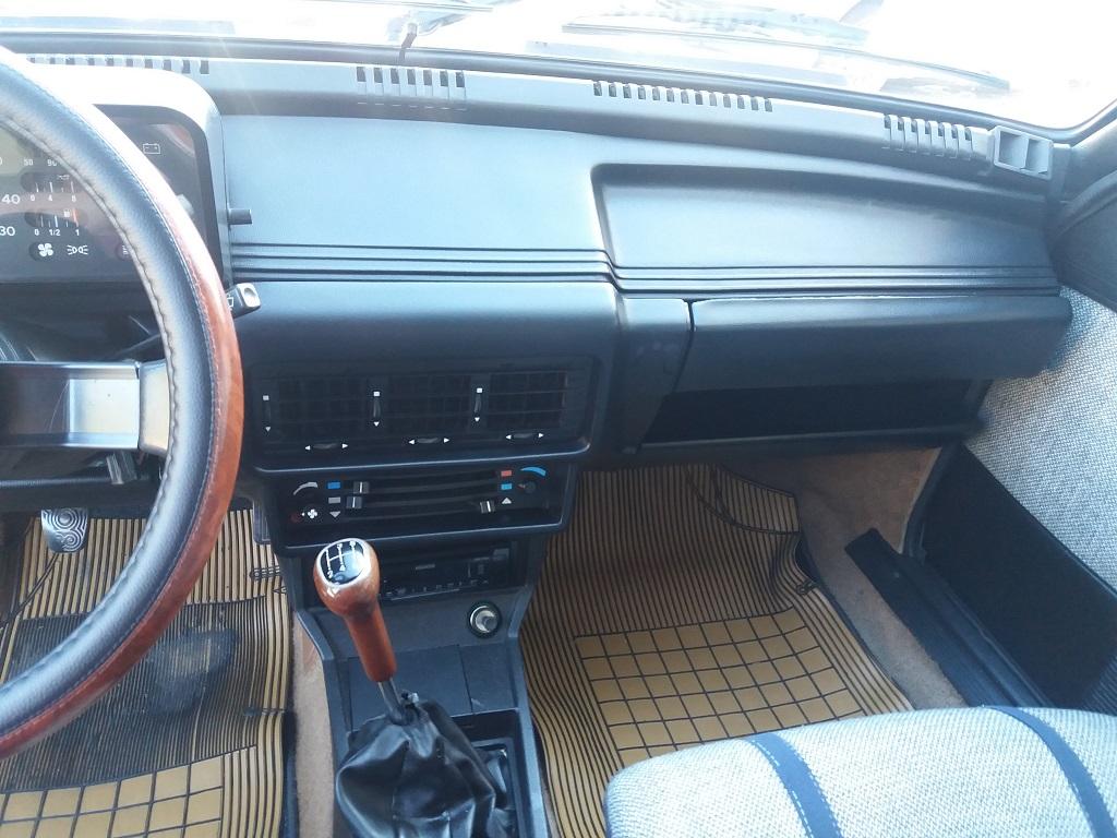 Alfa Romeo Giulietta 1.6 L (10)