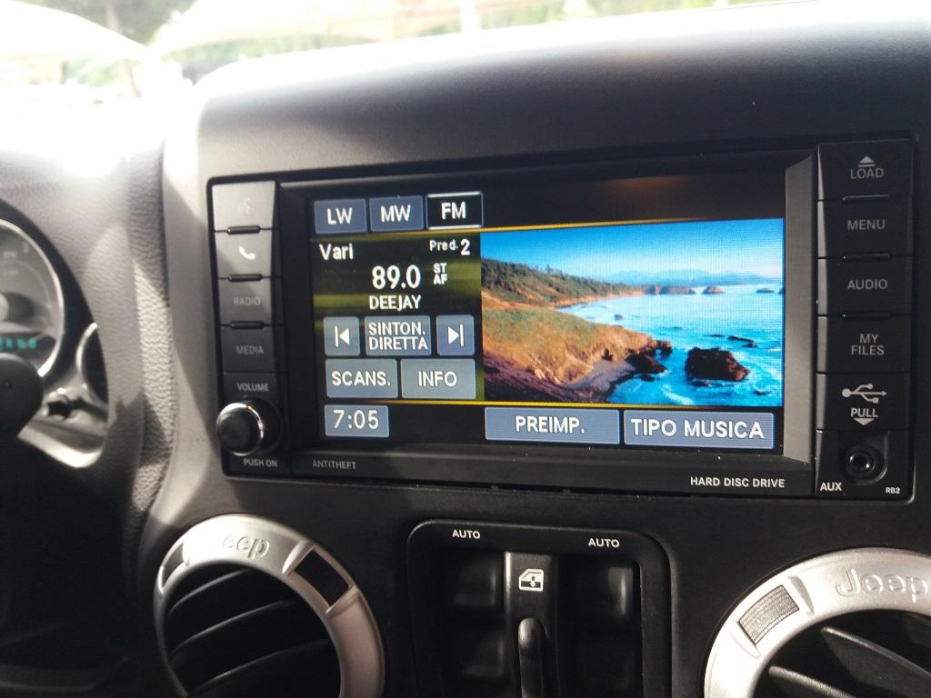 Jeep Wrangler Unlimited 2.8 CRD DPF Sahara Aut (25)