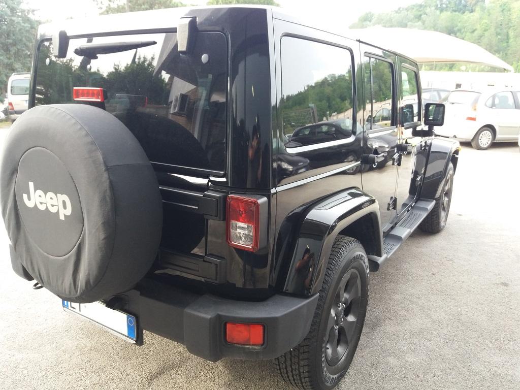 Jeep Wrangler Unlimited 2.8 CRD DPF Sahara Aut (6)