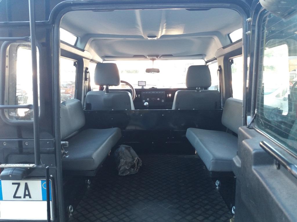 Land Rover Defender 90 2.5 Td5 Station Wagon E (16)