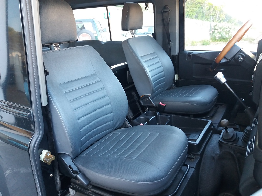 Land Rover Defender 90 2.5 Td5 Station Wagon E (18)