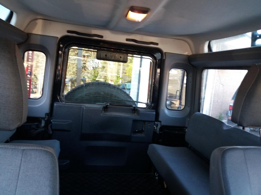 Land Rover Defender 90 2.5 Td5 Station Wagon E (22)