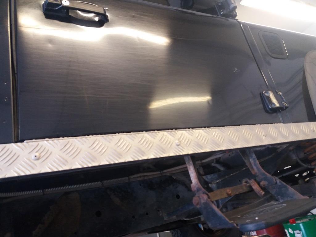 Land Rover Defender 90 2.5 Td5 Station Wagon E (75)