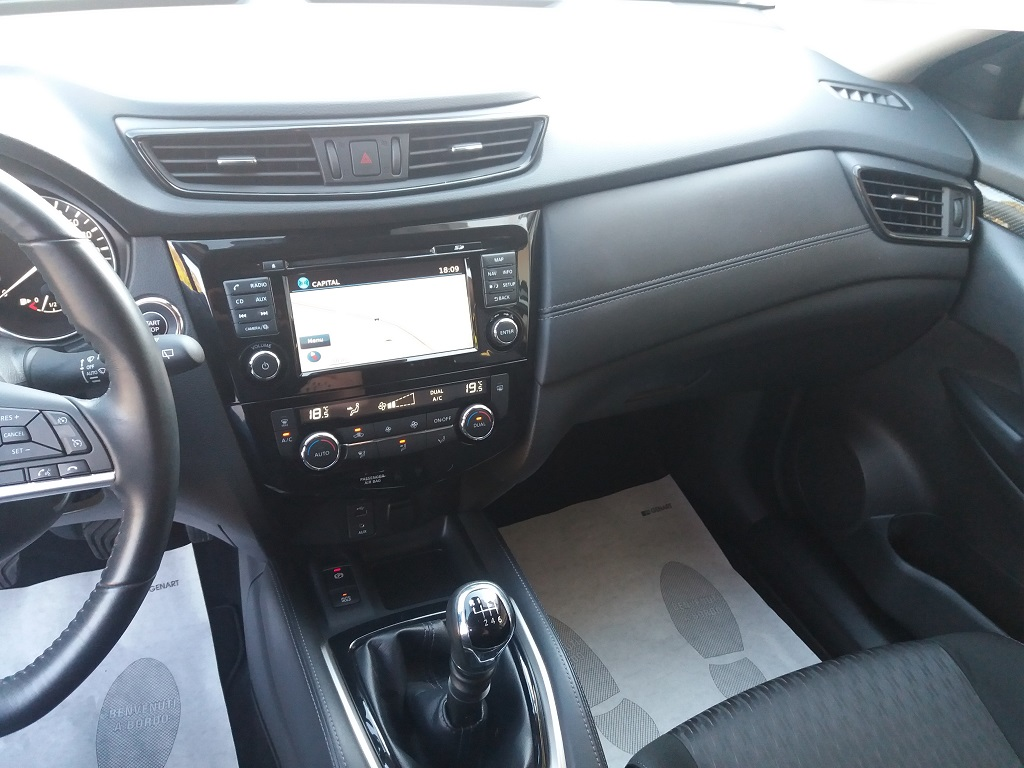 Nissan X-Trail 1.6 dCi 2WD N-Connecta (10)