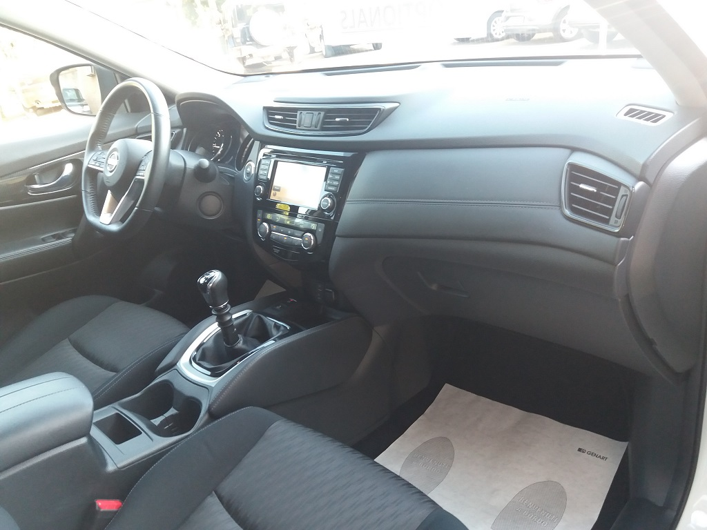 Nissan X-Trail 1.6 dCi 2WD N-Connecta (18)