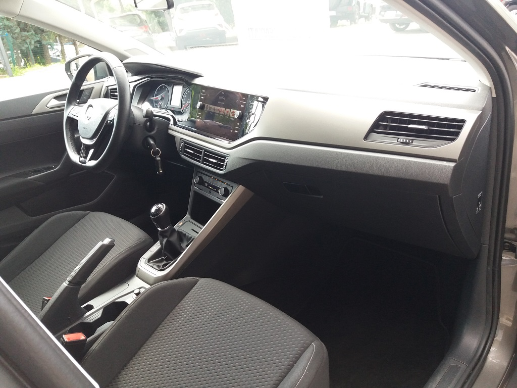 Volkswagen Polo 1.0 MPI 75 cv 5p Comfortline BlueMotion Technology (17)