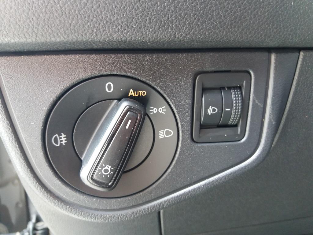 Volkswagen Polo 1.0 MPI 75 cv 5p Comfortline BlueMotion Technology (23)