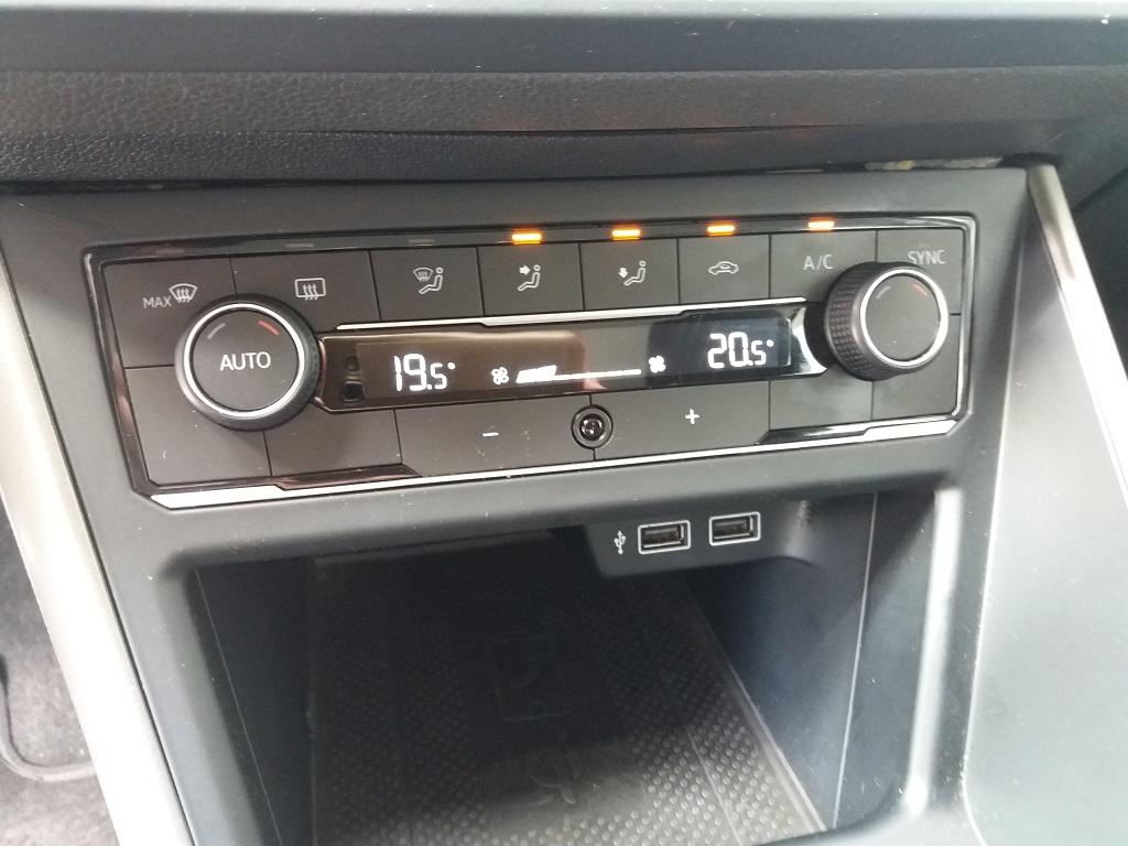 Volkswagen Polo 1.0 MPI 75 cv 5p Comfortline BlueMotion Technology (28)