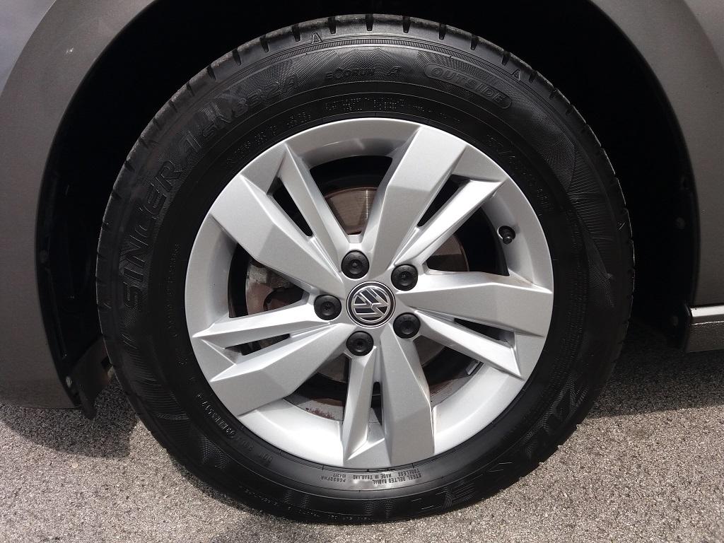 Volkswagen Polo 1.0 MPI 75 cv 5p Comfortline BlueMotion Technology (32)