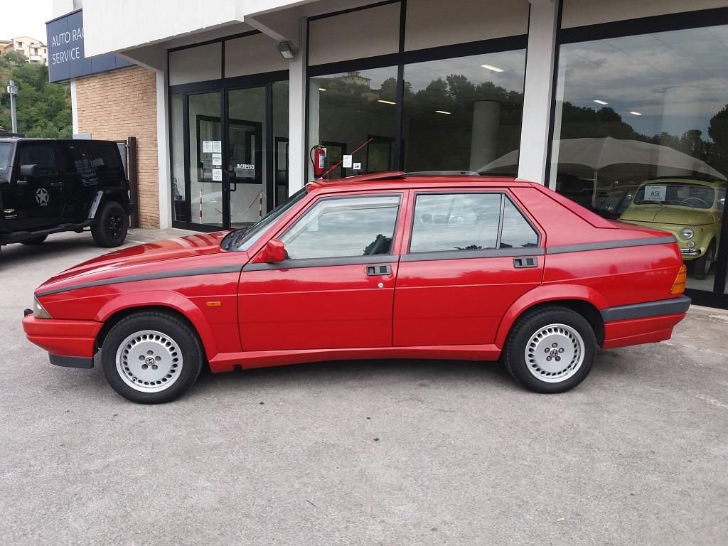 Alfa Romeo 75 1.8i Turbo (2)