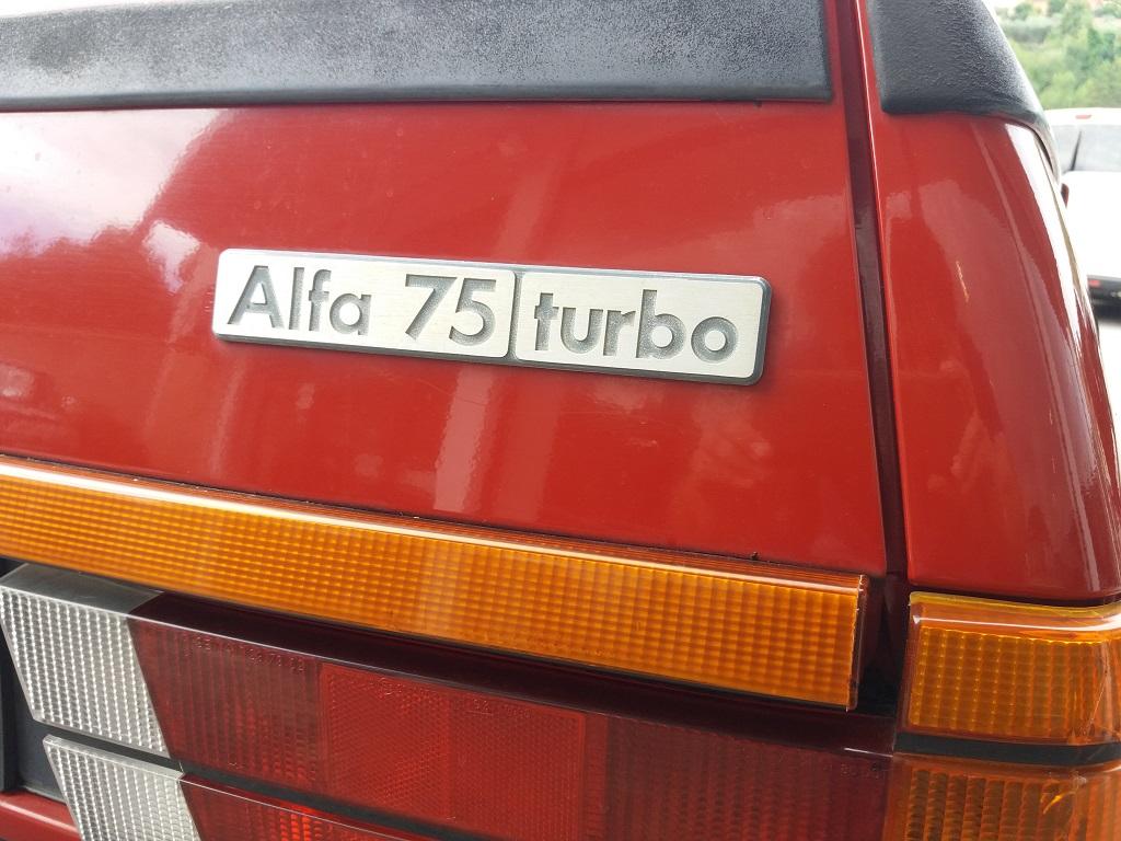 Alfa Romeo 75 1.8i Turbo (23)