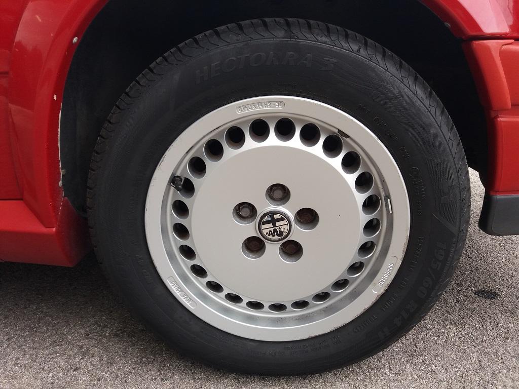 Alfa Romeo 75 1.8i Turbo (24)