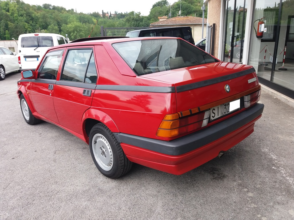Alfa Romeo 75 1.8i Turbo (3)