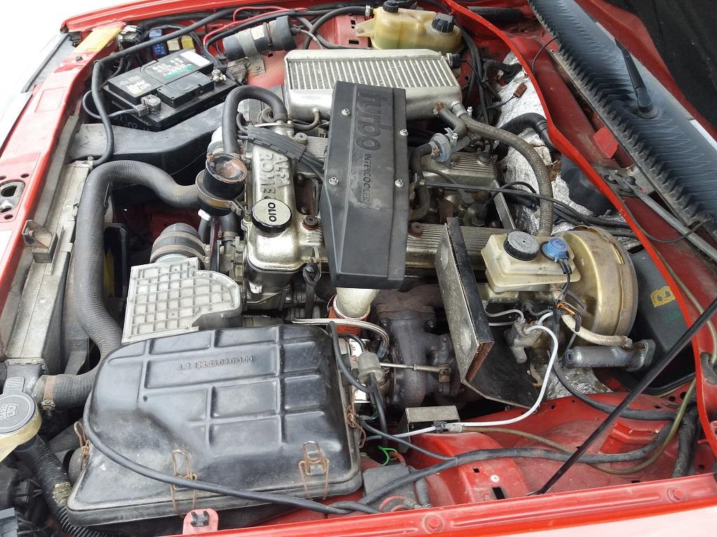 Alfa Romeo 75 1.8i Turbo (32)