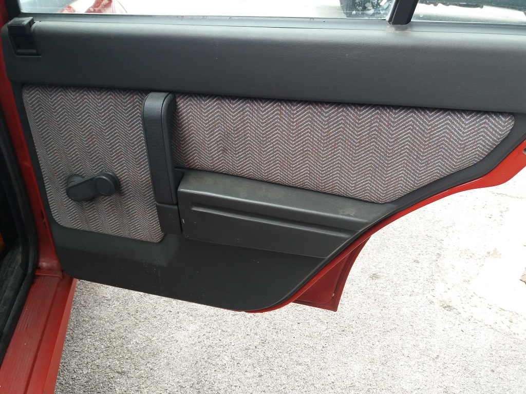 Alfa Romeo 75 1.8i Turbo (44)