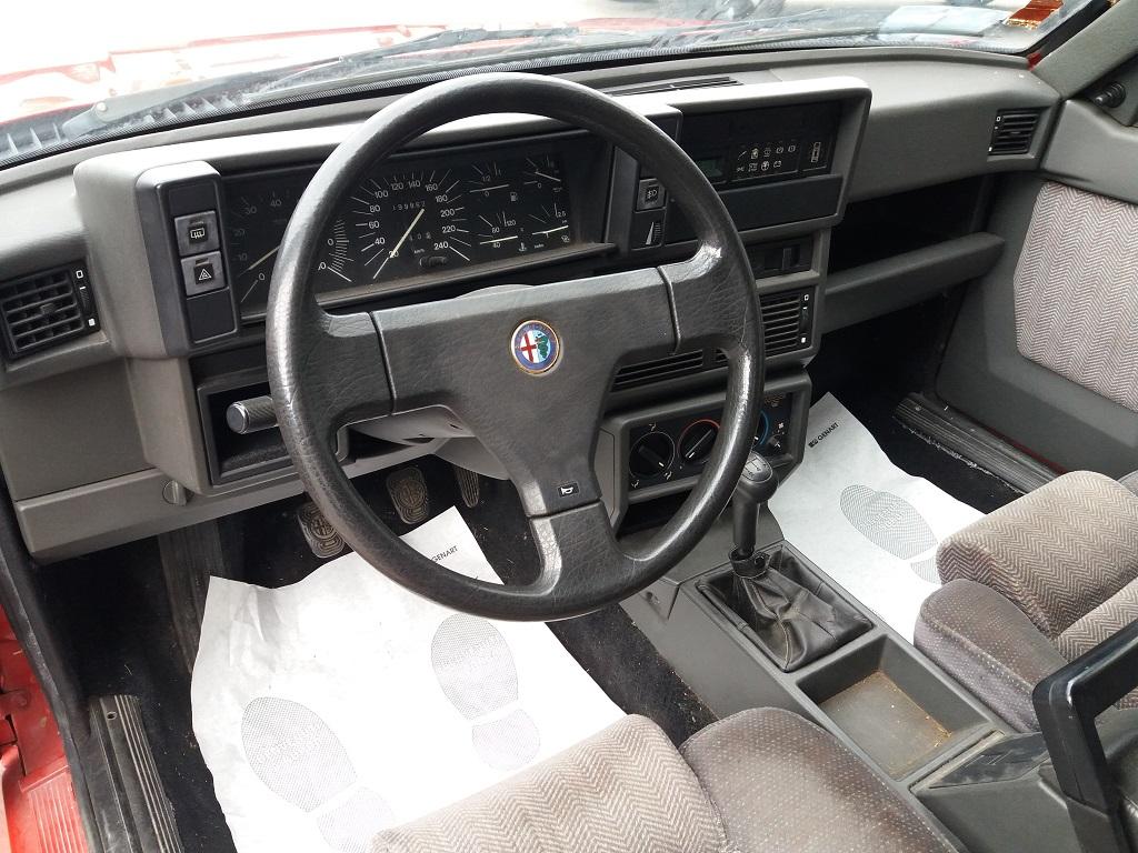 Alfa Romeo 75 1.8i Turbo (9)