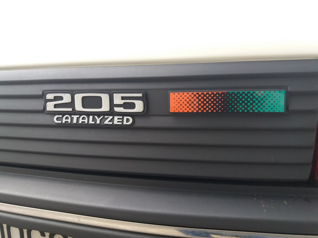 Peugeot 205 1.1i cat 5p Color Line (33)