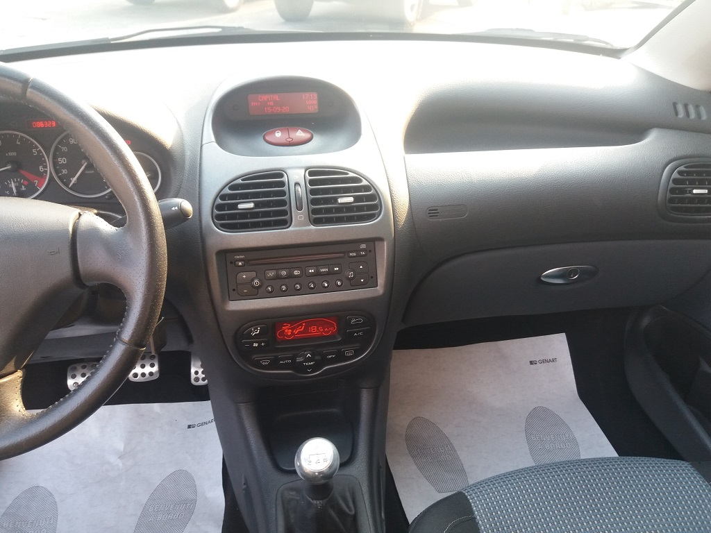 Peugeot 206 CC 1.6 16v (22)