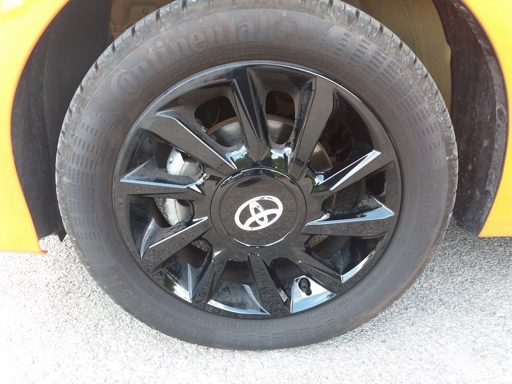Toyota Aygo Connect 1.0 VVT-i 72 cv 5p X-Cite (19)