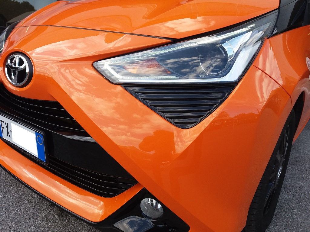 Toyota Aygo Connect 1.0 VVT-i 72 cv 5p X-Cite (20)
