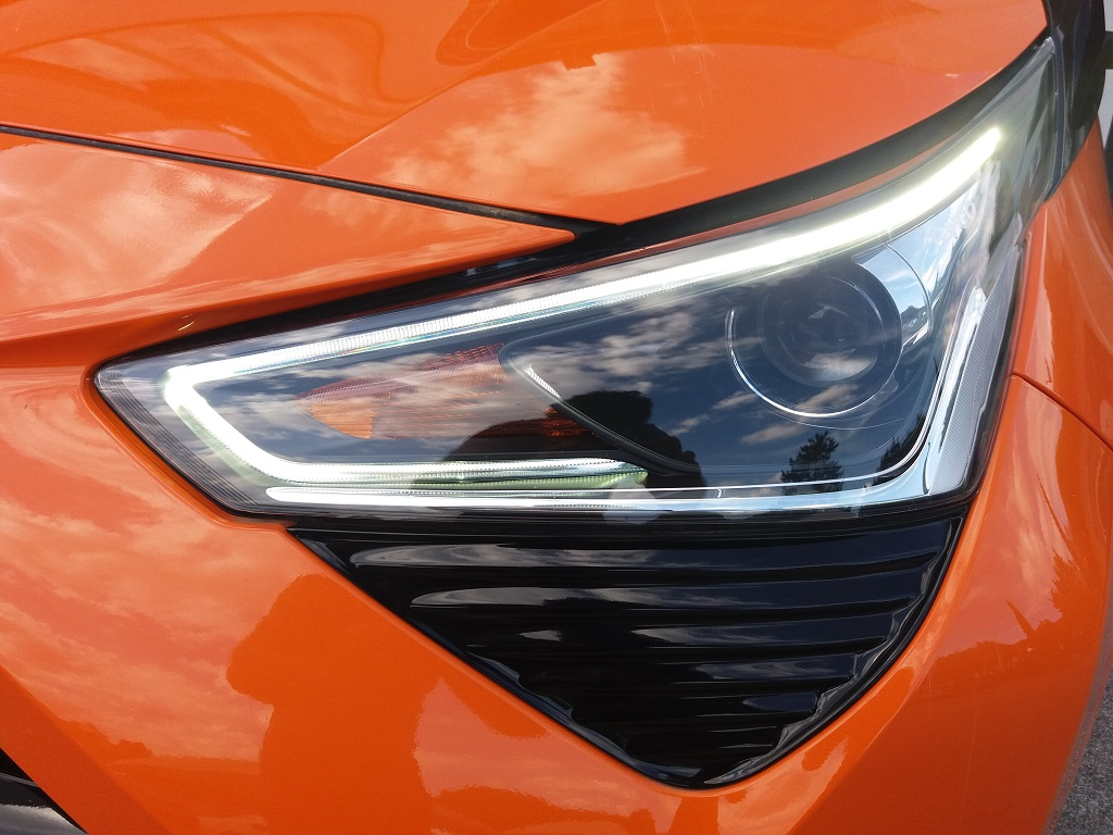 Toyota Aygo Connect 1.0 VVT-i 72 cv 5p X-Cite (41)