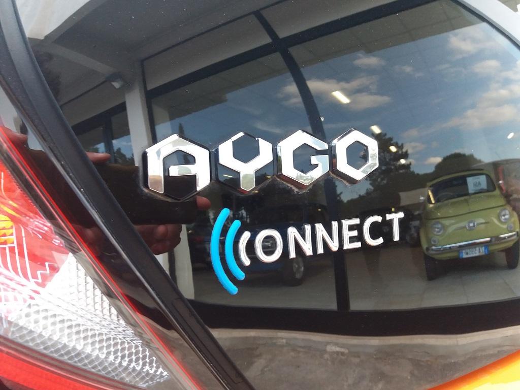Toyota Aygo Connect 1.0 VVT-i 72 cv 5p X-Cite (45)