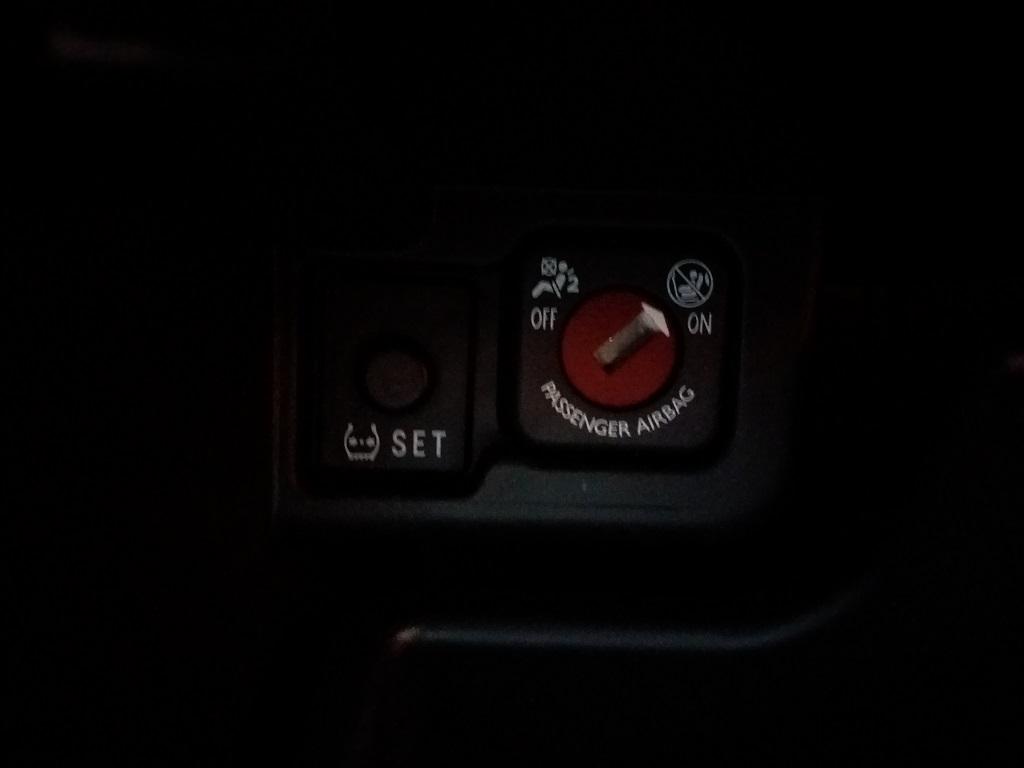 Toyota Aygo Connect 1.0 VVT-i 72 cv 5p X-Cite (47)