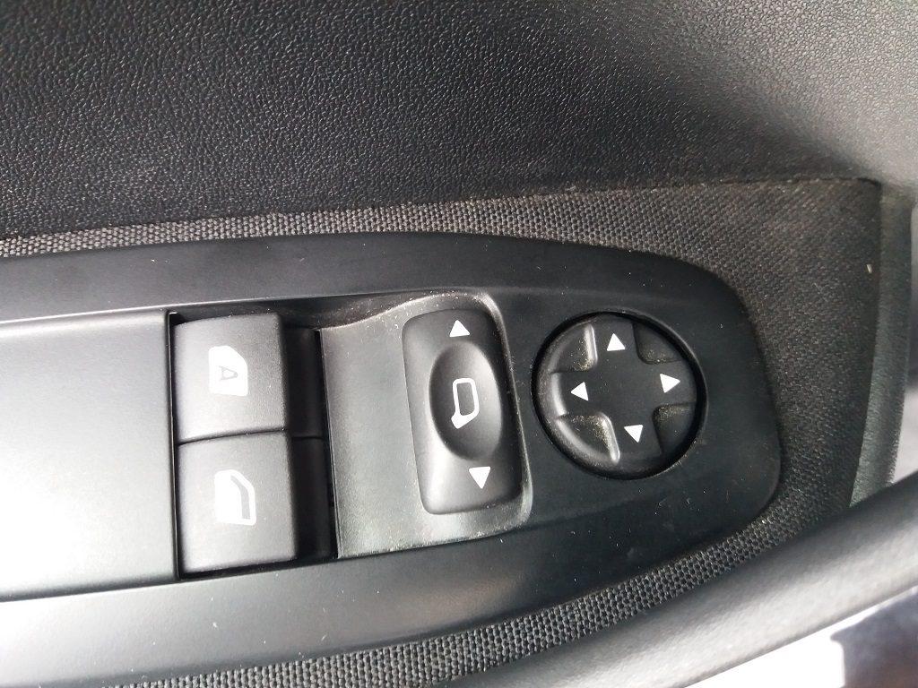 Peugeot 208 PureTech 82 5p Active (14)