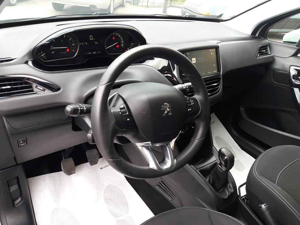 Peugeot 208 PureTech 82 5p Active (9)