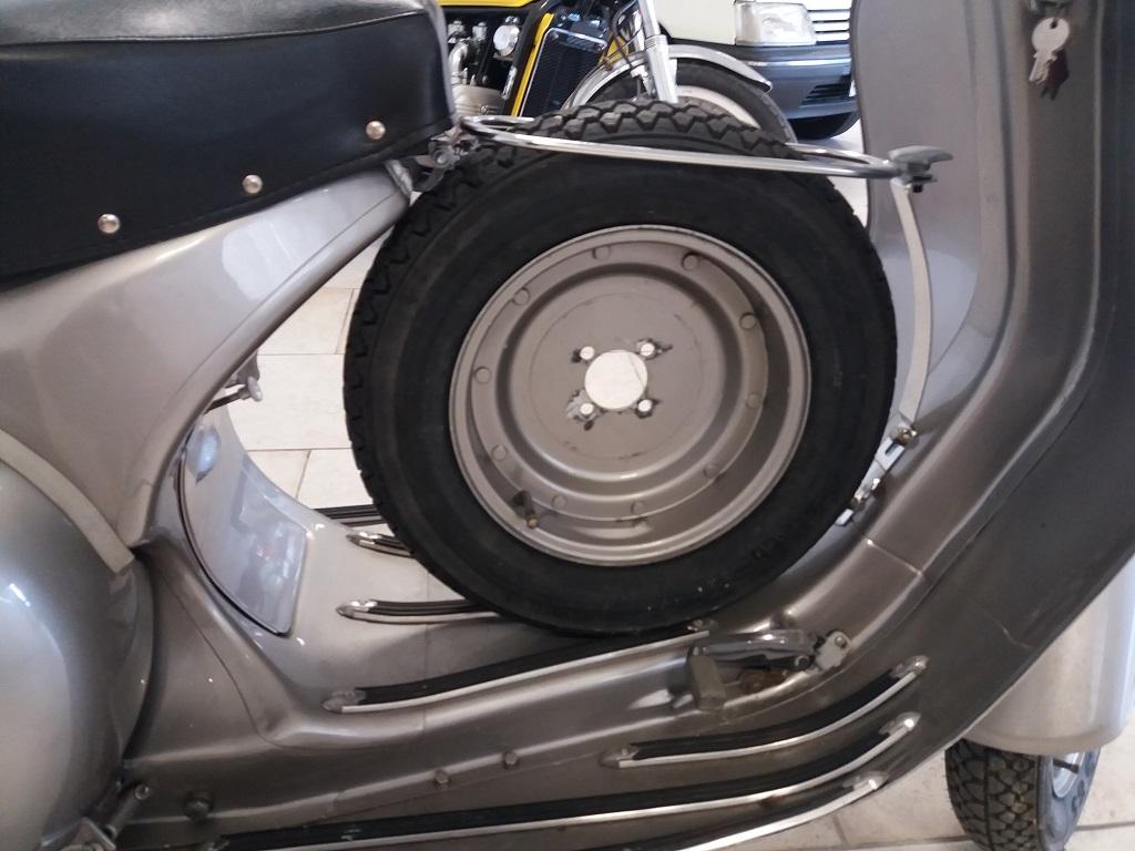 Piaggio Vespa GS 150 (VS3T) (16)